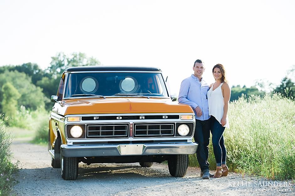 RACHAEL + SCOTT\'S Classic Truck Engagement Photos   Photography by ...